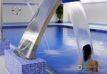 Hotel crowne plaza barcelona fira center barcelona spain Barcelona hotel with indoor swimming pool
