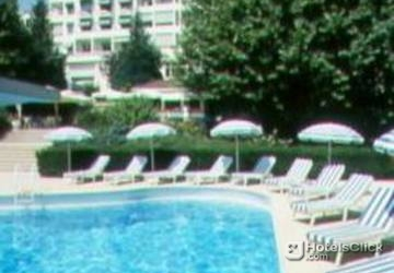 Hotel domaine de divonne divonne les bains france for Piscine de divonne
