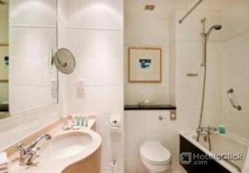 Hotel hilton dublin dublin ireland book special offers for Bathroom zones ireland