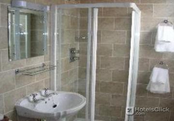 Hotel o 39 neills victorian pub townhouse dublin ireland for Bathroom zones ireland