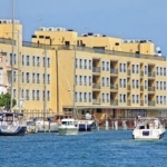 Hotel P AND V EMPURIABRAVA MARINA: