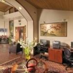 Hotel DINAH'S GARDEN HOTEL & TRADER VIC'S:
