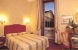 Doppelzimmer - Twin: ALBERGO DEL SENATO Bezirk: Rom Italien