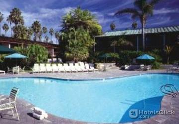 Catamaran Resort Hotel Swimming Pool