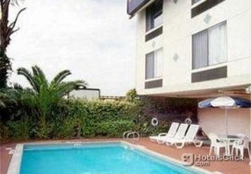 Hotel Holiday Inn Express San Diego Sea World Area Swimming Pool