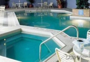 Hotel holiday inn winnipeg south winnipeg canada book - Holiday inn hotels with swimming pool ...